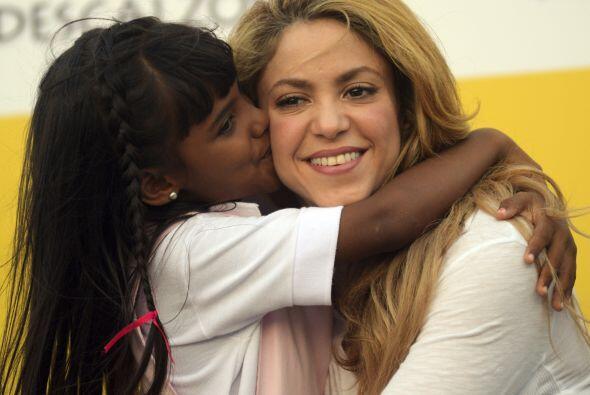 Shakira ha sido desde siempre una defensora de causas educativas. Con el...
