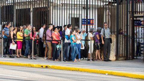 ¿Qué va a pasar con los procedimientos de visas para quienes quieran ing...
