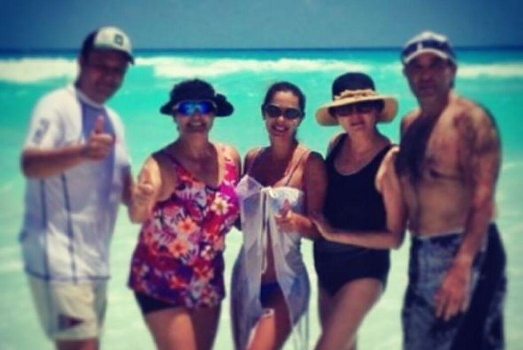 Hace poco se tomó unas merecidas vacaciones, se fue a la playa con sus s...