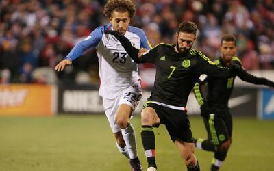 Seguidores de México y EEUU en San José se reunieron para ver el partido...