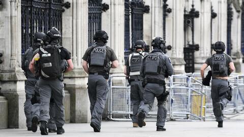 Confirman que la primera ministra británica Theresa May estaba en el Par...