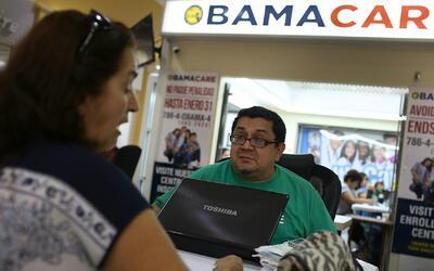 ¿Podrán los usuarios pagar el aumento en las pólizas de Obamacare?