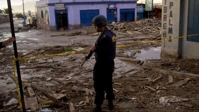 Miles de afectados por las lluvias en comunidades completas de Ecuador,...