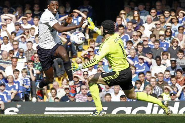 La más clara del partido la tuvo Emmanuel Adebayor.