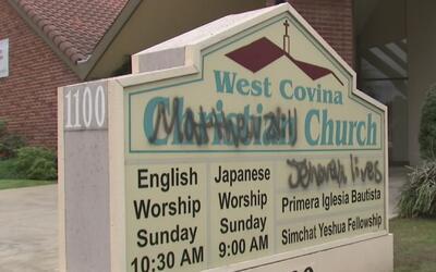 Dos iglesias católicas fueron objeto de profanación y vandalismo en West...