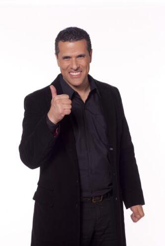 Siempre sonriente y encantador Marco Antonio Regil está listo para ser j...