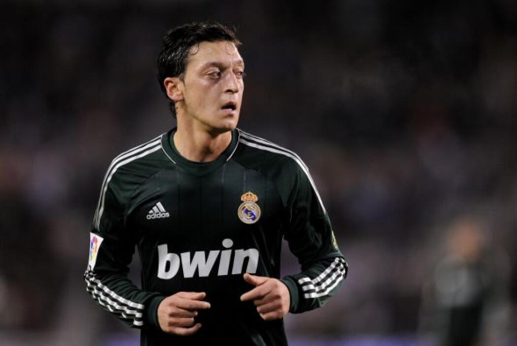 Cuando el Madrid perdía, Mesut empató el partido y más tarde convirtió e...