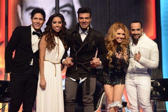 José Palacio con Jen y sus compañeros en la gala 11.