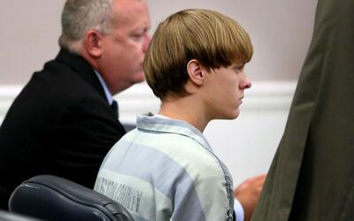 Fiscalía acusa a Dylan Roof de ejecutar un ataque racista planeado, con...