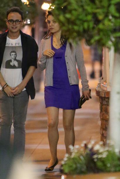 La actriz lucía muy guapa en un vestido azul.  Mira aquí los videos más...
