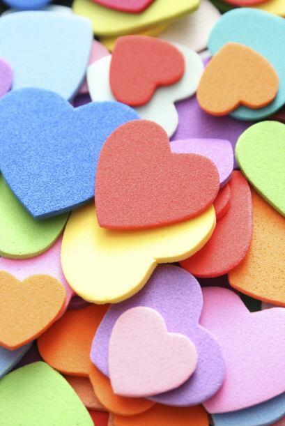 Flores de corazones. Esta manualidad es fácil de hacer y es ideal...