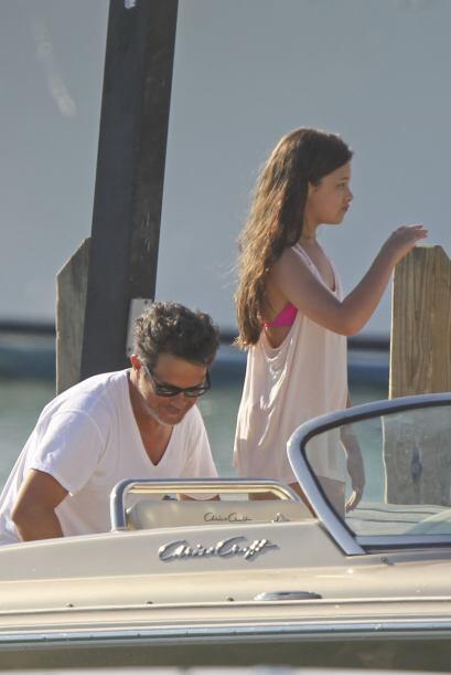 Su hija Manuela cada vez se parece más a papá.  Más videos de Chismes aq...