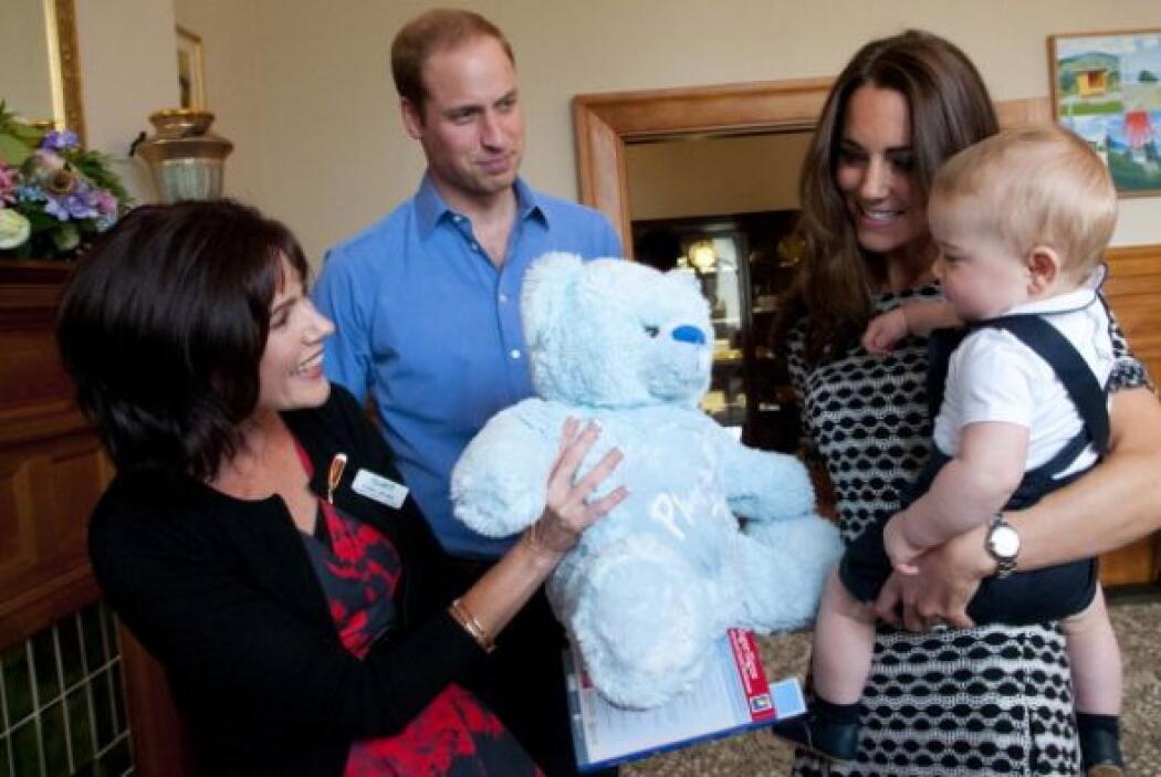 El príncipe William lució muy animado también.