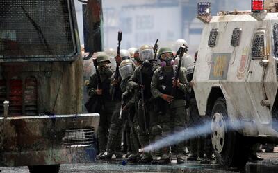Denuncian que fuerzas del orden en Venezuela reprimen manifestaciones co...