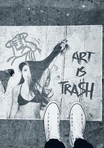 """""""#ArtisTrash #ArtBasel"""", mostró William. (Diciembre 7, 2014)"""