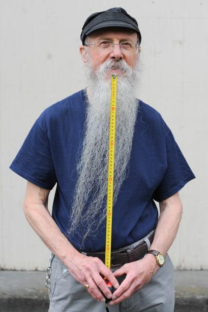 En los 70's  la barba era signo de rebeldía, de ser hippie o ser rocksta...