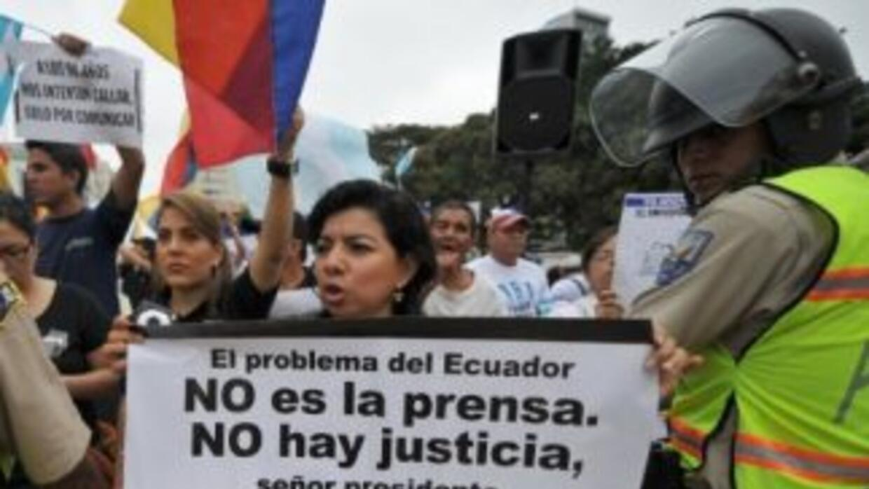 Sigue la pelea entre Rafael Correa y diario ecuatoriano.