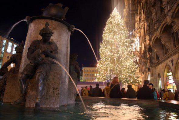 En Munich, Alemania el espiritú navideño también ad...