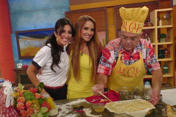 Maity y Ximena no quería quedarse sin probar el 'Pastelón de Carne'.