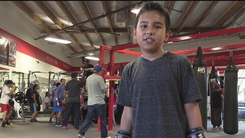 Con el boxeo niños se alejan del acoso escolar