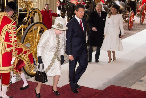 Así entró el Presidente de México y su primera dama...