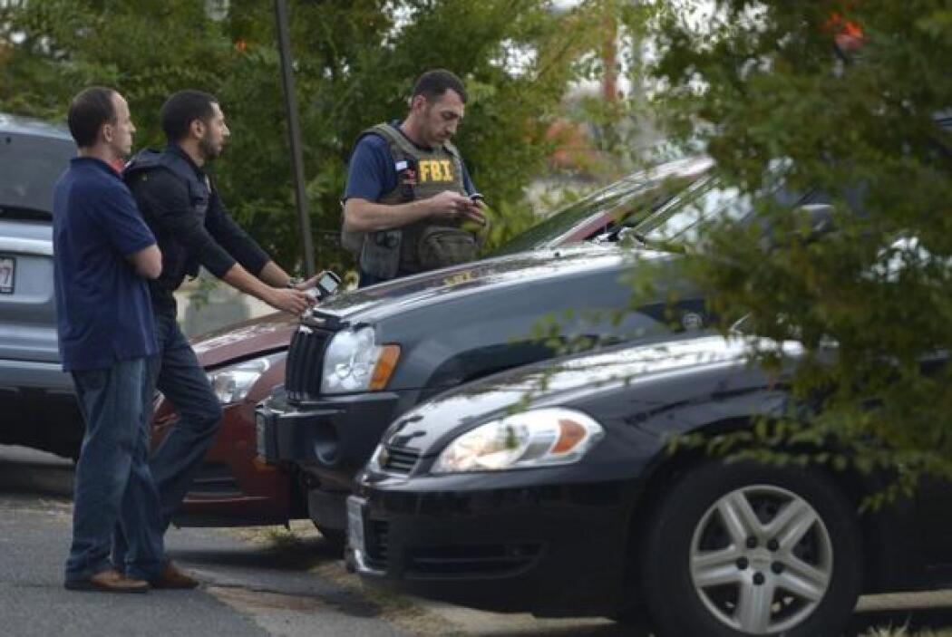 Policías y agentes del FBI se encuentran en la zona.