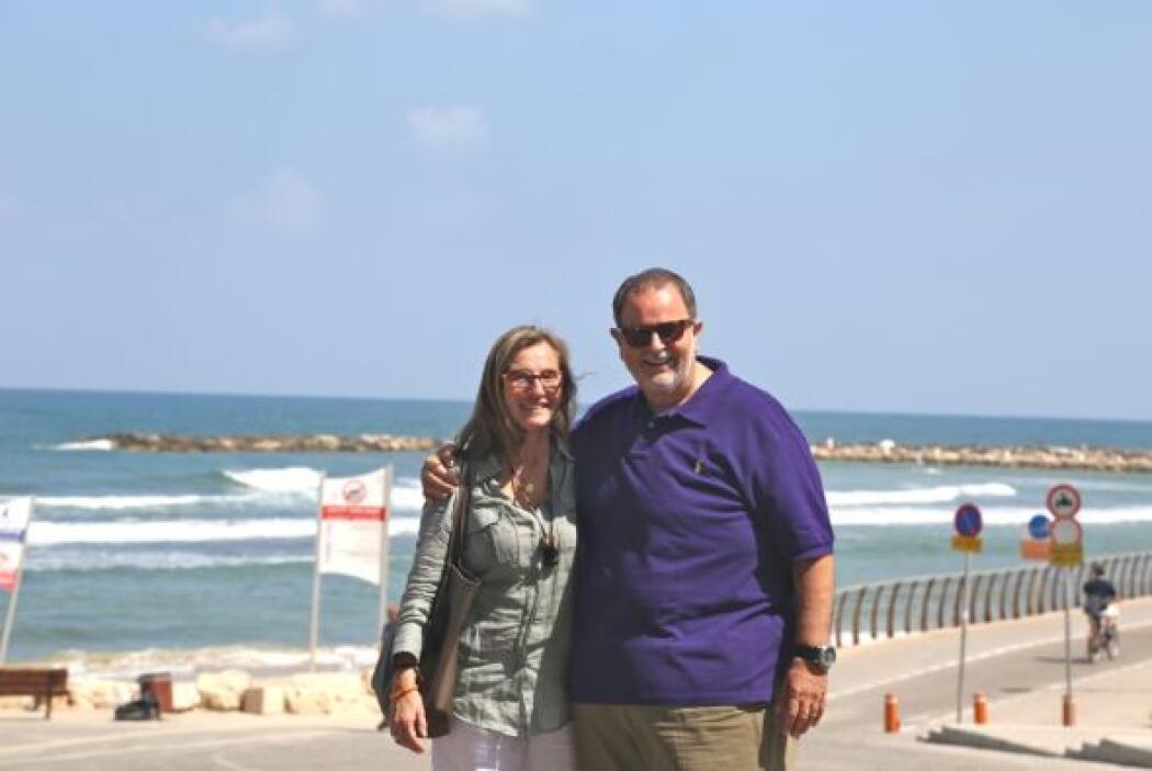 Desde la ciudad de Tel Aviv, donde posaron con su mejor sonrisa para la...
