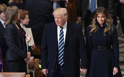 Trump y la primera dama Melania asisten al servicio en la National Cathe...