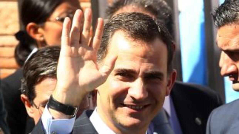 El príncipe de Asturias, Felipe de Borbón, asistió la presentación de l...