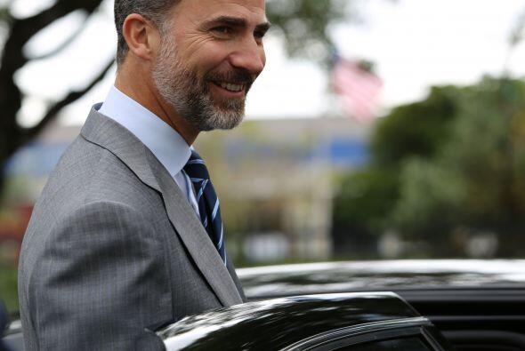 El príncipe de Asturias abandona las instalaciones de Newsport, la redac...