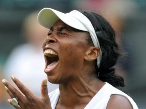 La estadounidense Venus Williams batalló para ganar su encuentro...
