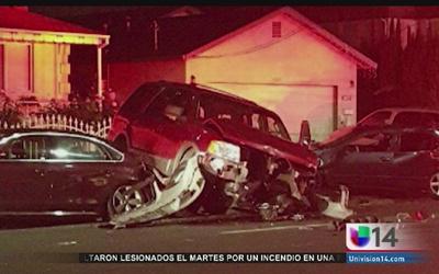 Vecinos de San José levantan un auto y salvan a peatón arrollado
