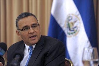 El presidente de El Salvador, Mauricio Funes, celebró el 190 aniversario...