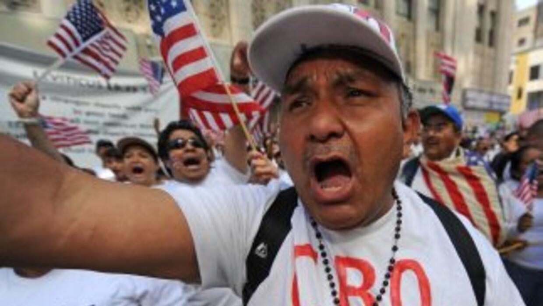 Los migrantes latinos representan el 34.6% de la fuerza laboral en Calif...