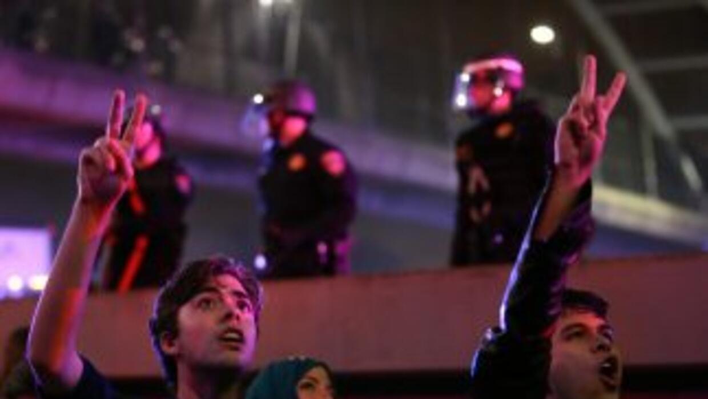 Se manifiestan por Garner y Brown en Berkeley, California.