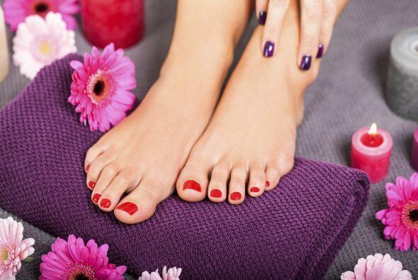 Talones resecos. Si tus pies lucen extremadamente secos, sobre todo en l...