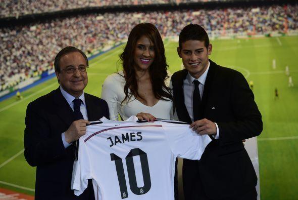 El colombiano fue acompañado por su esposa, la hermosa Daniela Ospina.