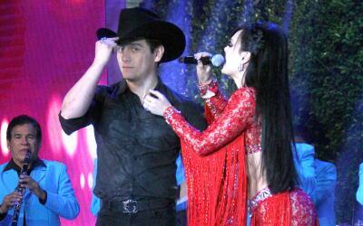 Julián Figueroa ha recibido el apoyo de su madre, Maribel Guardia...