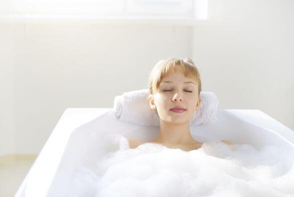 Toma un baño: No necesita ser de mañana o de noche para entrar en la duc...
