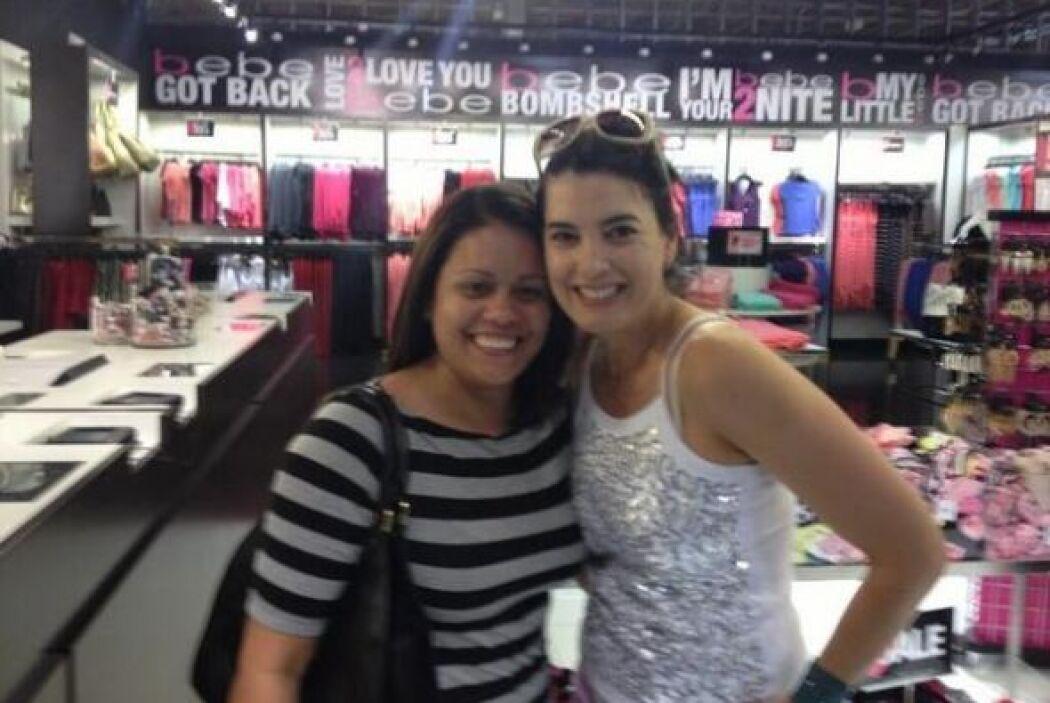 @NBELLEZA2013 estaba de compras y se encontró a la actriz venezolana Rud...