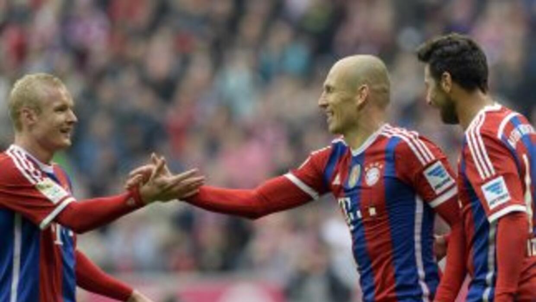 Robben hizo dos goles y el Bayern sigue liderando la Bundesliga.