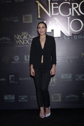"""Zuria Vega acudió al estreno de la cinta """"Más negro que la noche"""", donde..."""