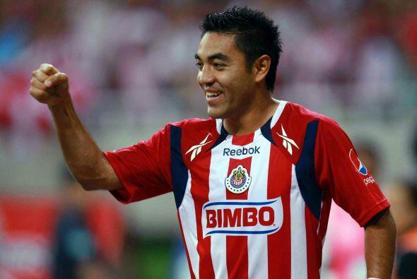 Marco tuvo sus mejores torneos con Chivas en el 2011 donde acumuló 17 go...