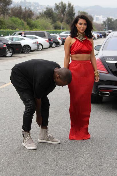 Kanye acudió luciendo de lo más casual.