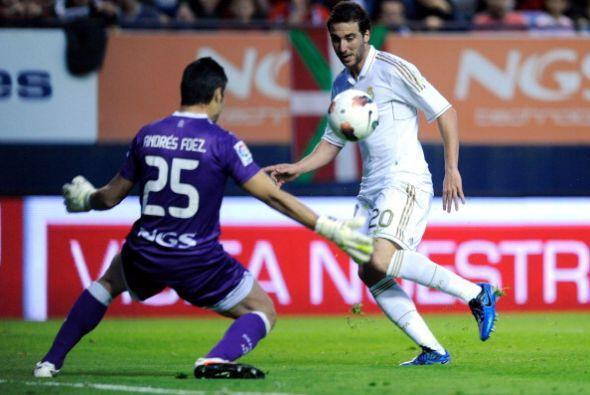 En una jugada colectiva, Gonzalo Higuaín se mandó un pique...