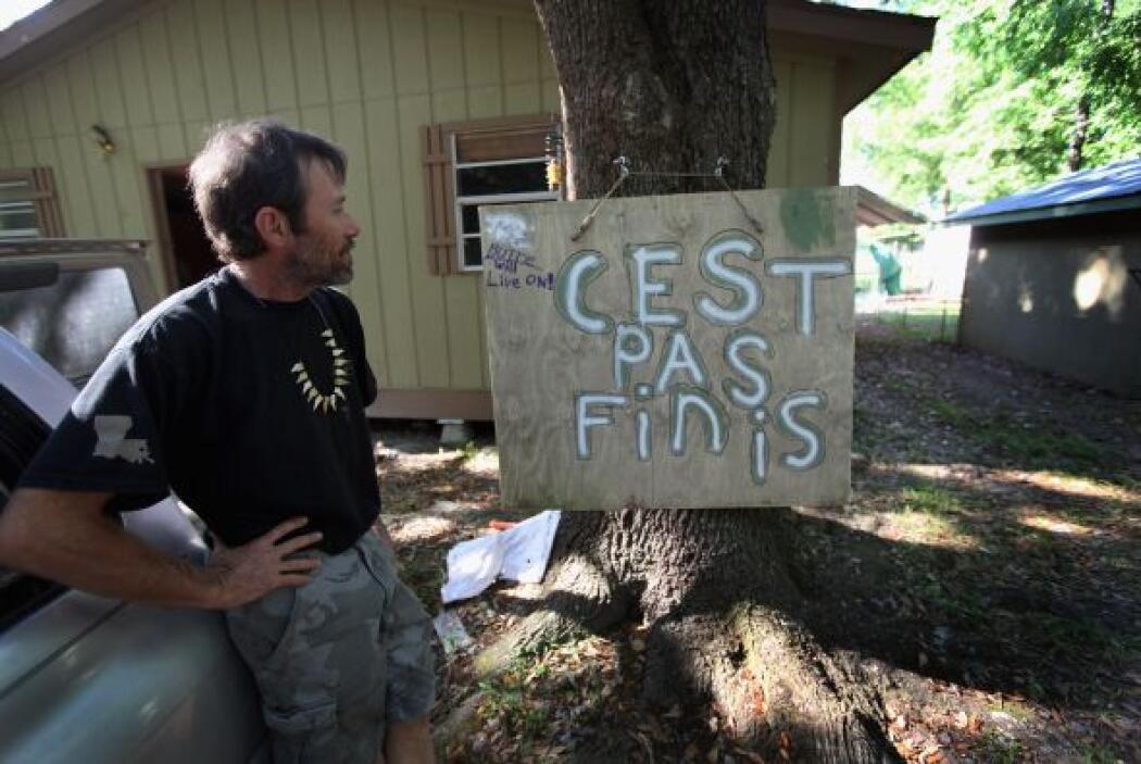 Este hombre, habitante del Delta del Mississippi, no pierde su optimismo...