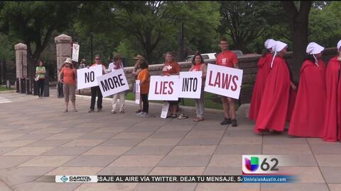 Decenas de personas protestan contra la ley SB8