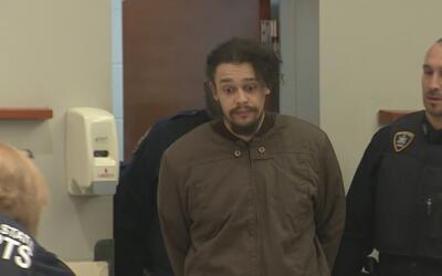 Fiscalía de El Bronx acusa de dos cargos al presunto asesino de su propi...