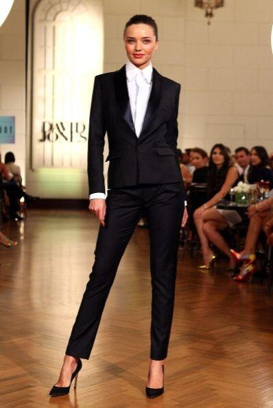 Para un 'look' elagante, indiscutiblemente la combinación es 'blazer' ne...