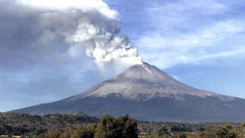 Las autoridades mantienen la alerta volcánica en Amarillo fase 3, con lo...